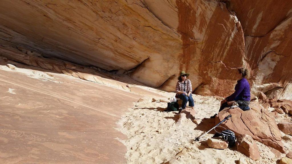 Mansard Hiking Trail and petroglyphs Kanab Utah